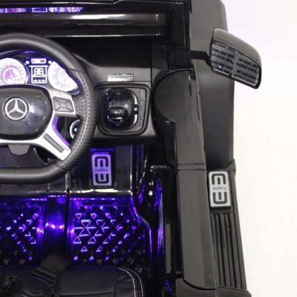 Электромобиль Mercedes-Benz G63-AMG 4WD A006AA черный (шестиколесный, привод на 4 колеса, музыка, пульт управления, 2 педали управления)